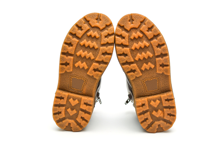 Varaudu luonnossa patikointiin hyvillä kengillä